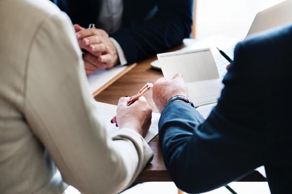 Protocolo familiar: a veces iniciar el proceso lleva a… no firmarlo